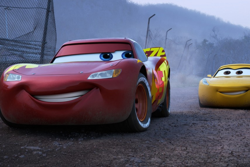 /db_data/movies/cars3/scen/l/410_15_-_Scene_Picture.jpg