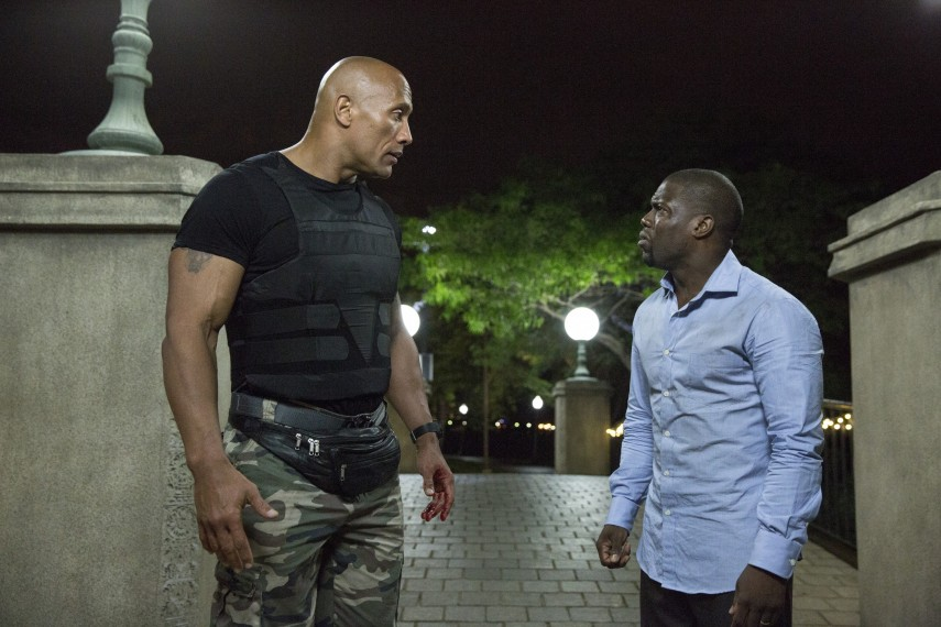 /db_data/movies/centralintelligence/scen/l/Dwayne_Johnson_and_Kevin_Hart.jpg