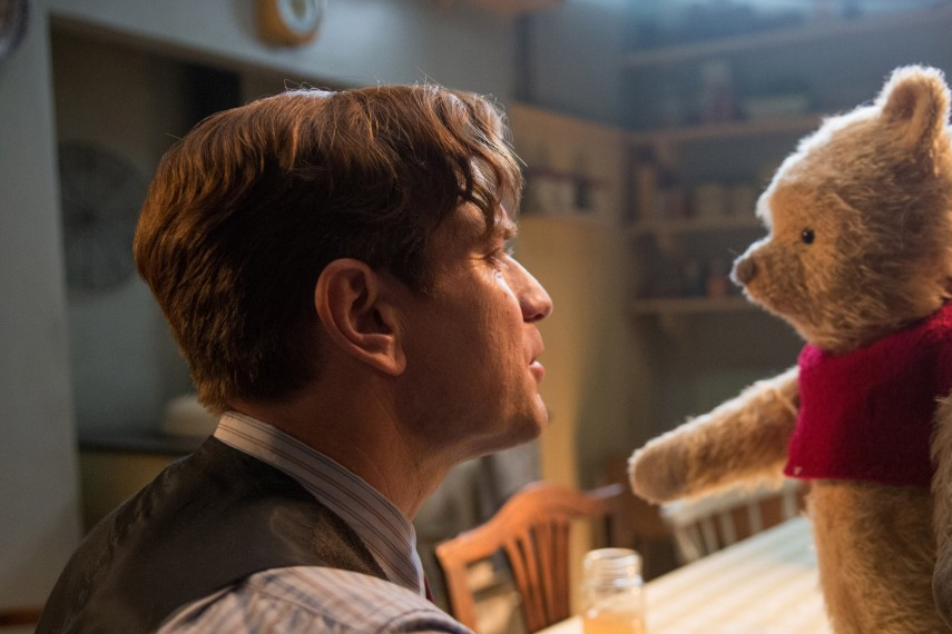 /db_data/movies/christopherrobin/scen/l/410_23_-_Christopher_Ewan_McGr.jpg