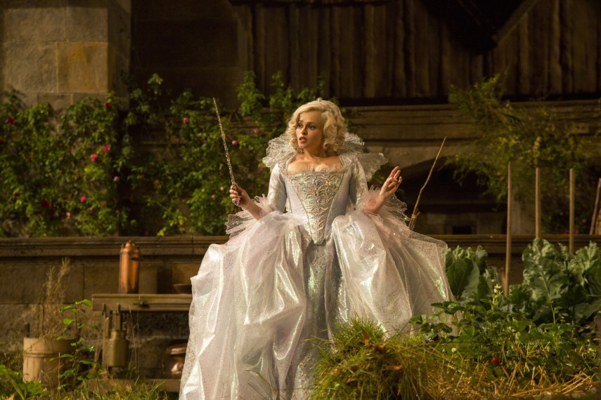/db_data/movies/cinderella/scen/l/410_16__Fairy_Godmother_Helena.jpg