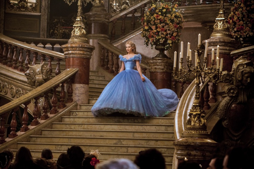 /db_data/movies/cinderella/scen/l/410_29__Cinderella_Lily_James.jpg
