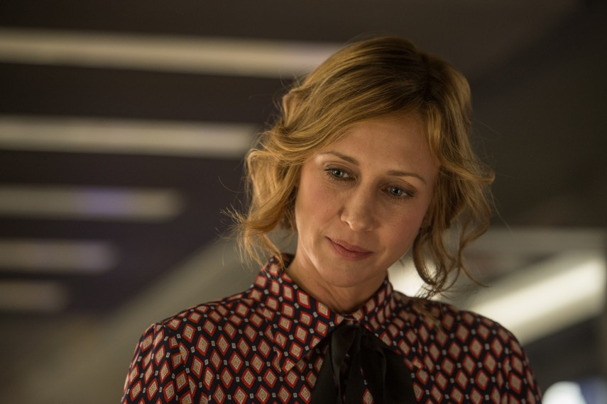 /db_data/movies/commuter/scen/l/410_04_-_Joanna_Vera_Farmiga.jpg