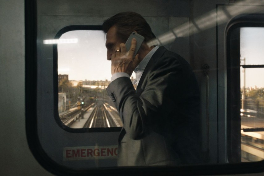 /db_data/movies/commuter/scen/l/410_06_-_Michael_Liam_Neeson__.jpg