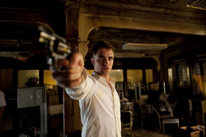 /db_data/movies/cosmopolis/scen/l/COS_D032-06489.jpg