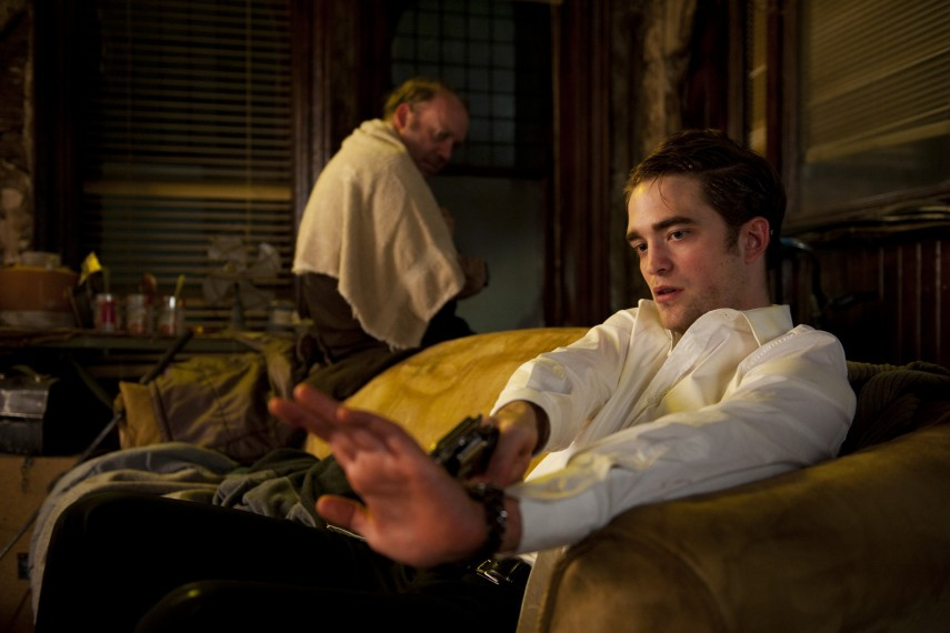 /db_data/movies/cosmopolis/scen/l/COS_D034-07362.jpg