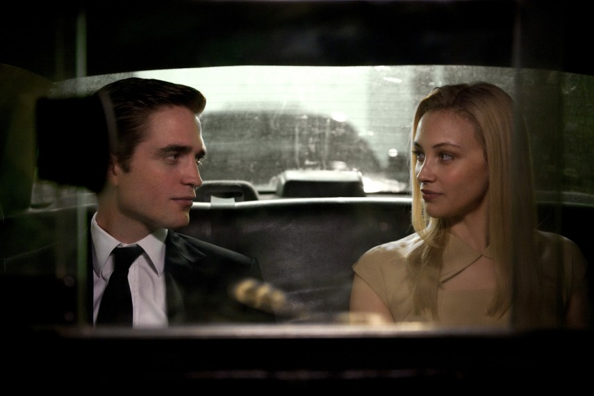 /db_data/movies/cosmopolis/scen/l/PattinsonampGadonDay1.jpg