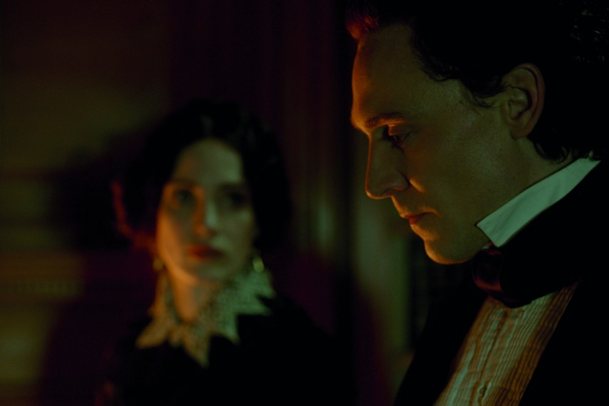 /db_data/movies/crimsonpeak/scen/l/Tom_Hiddleston.jpg