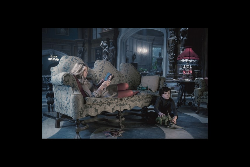 /db_data/movies/darkshadows/scen/l/1-Picture10-136.jpg