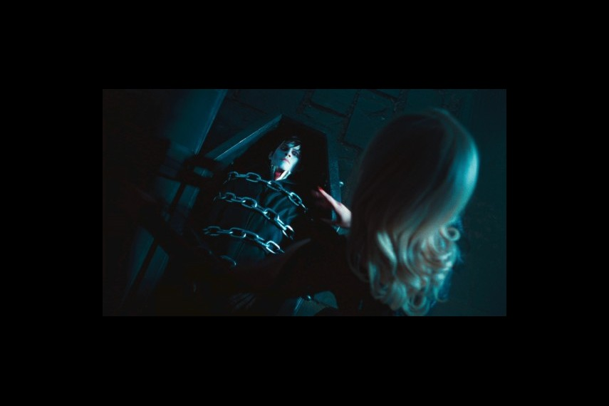 /db_data/movies/darkshadows/scen/l/1-Picture38-4a9.jpg