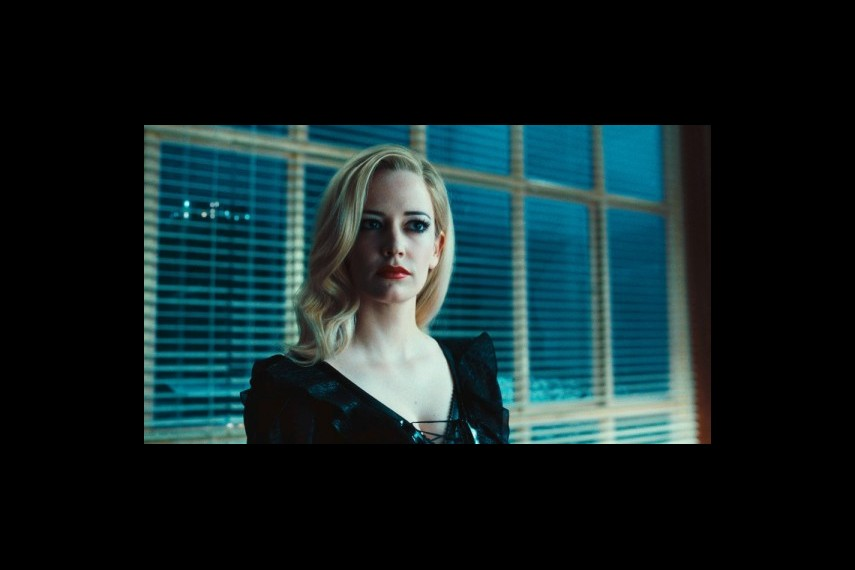 /db_data/movies/darkshadows/scen/l/1-Picture41-e62.jpg