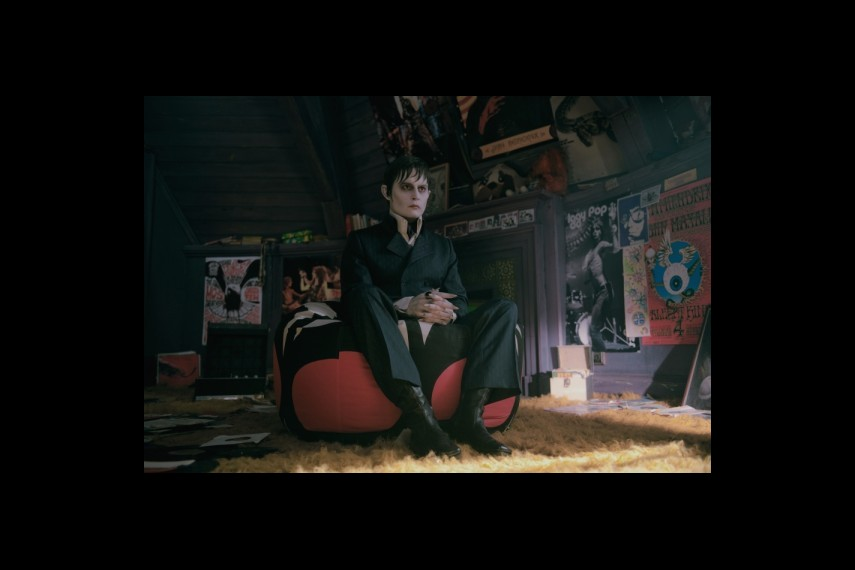 /db_data/movies/darkshadows/scen/l/1-Picture50-e23.jpg