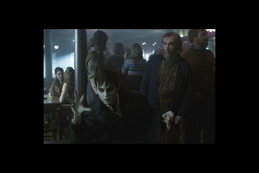 /db_data/movies/darkshadows/scen/l/1-Picture52-64c.jpg