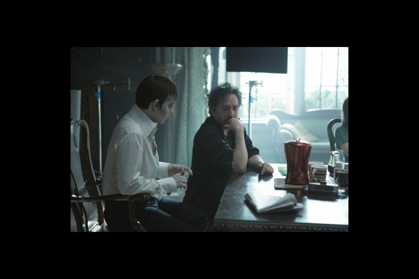 /db_data/movies/darkshadows/scen/l/2-Picture10-772.jpg