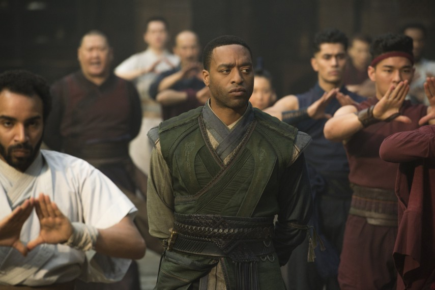 /db_data/movies/doctorstrange/scen/l/410_25_-_Mordo_Chiwetel_Ejiofor.jpg