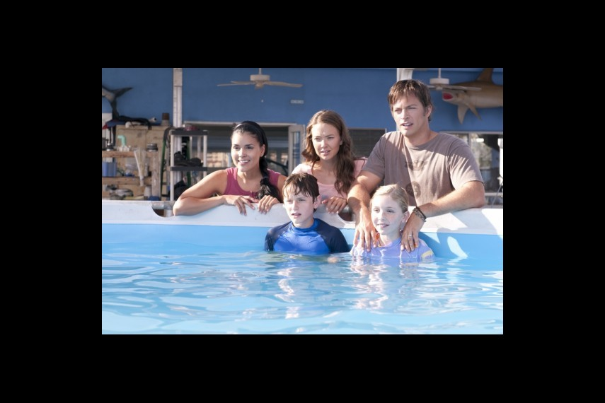 /db_data/movies/dolphintale/scen/l/1-Picture18-58e.jpg