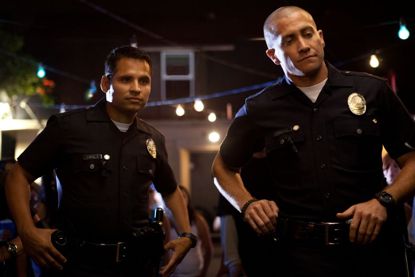 /db_data/movies/endofwatch/scen/l/EndOfWatch_06.jpg