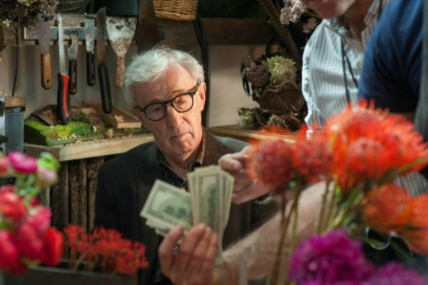 /db_data/movies/fadinggigolo/scen/l/410_06__Murray_Woody_Allen.jpg