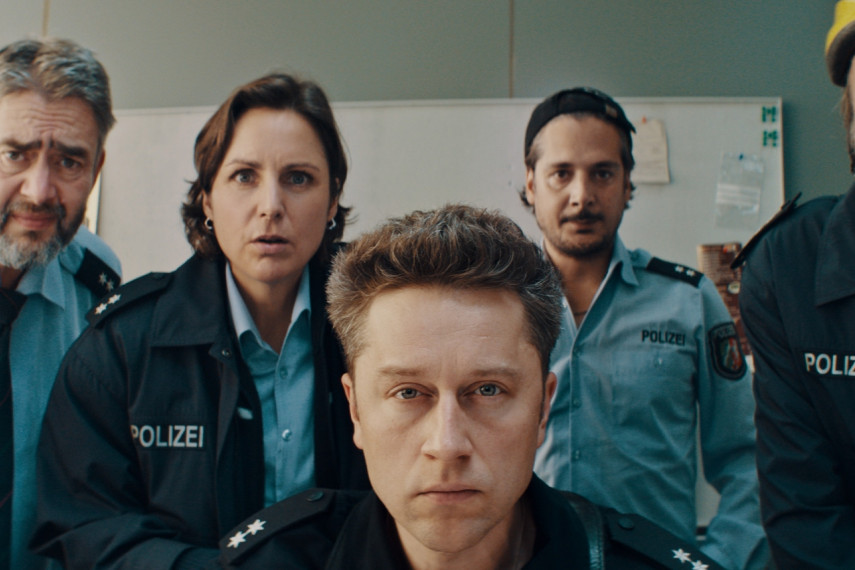 /db_data/movies/fakingbullshitkriminelleralsdiepolizeierlaubt/scen/l/20_FB_20200619_1.412.1.jpg