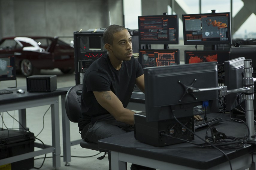 /db_data/movies/fastfurious06/scen/l/2418_D015_00002.jpg