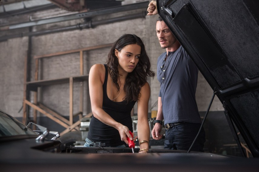 /db_data/movies/fastfurious06/scen/l/2418_D021_00297R.jpg