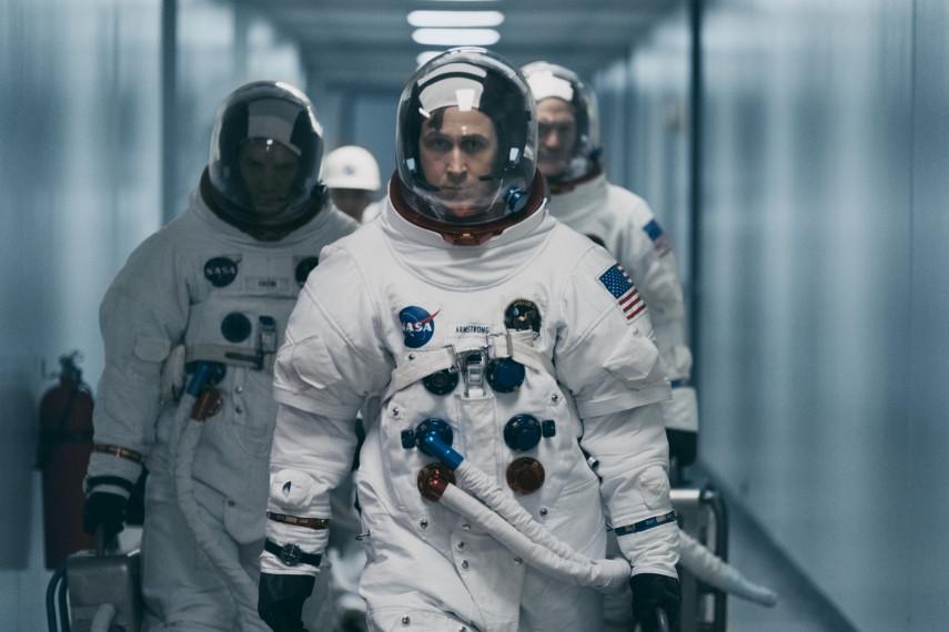 /db_data/movies/firstman/scen/l/410_08_-_Neil_Ryan_Gosling.jpg