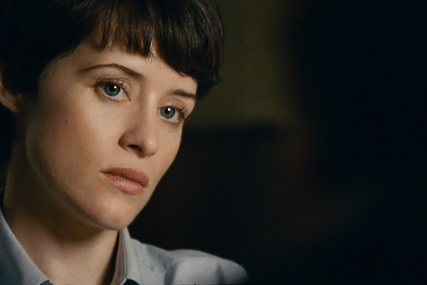 /db_data/movies/firstman/scen/l/410_09_-_Janet_Claire_Foy.jpg