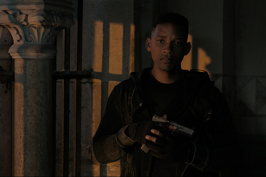 /db_data/movies/geminiman/scen/l/410_04_-_Junior_Will_Smith_ov_org.jpg