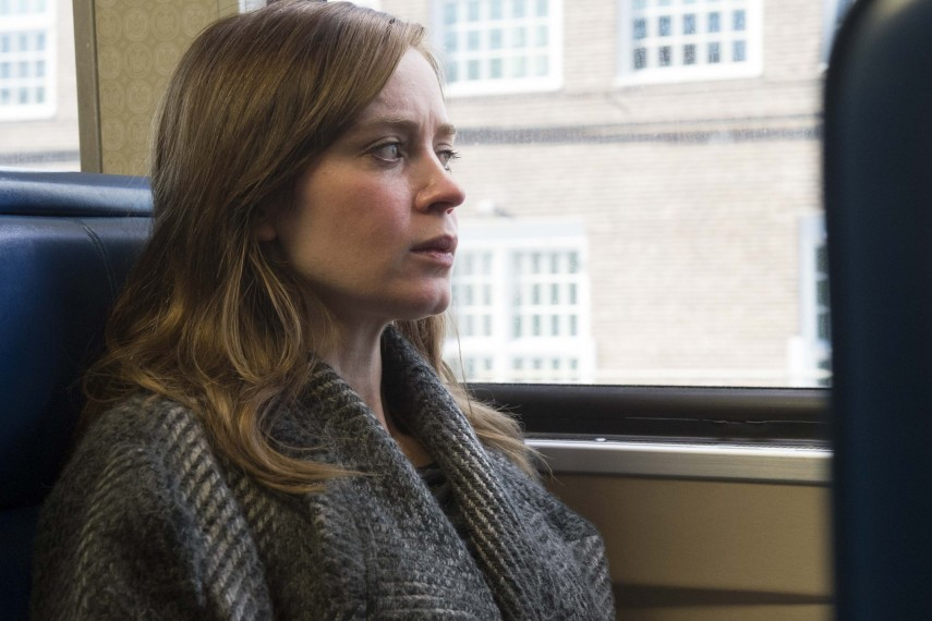 /db_data/movies/girlonthetrain/scen/l/410_01_-_Rachel_Watson_Emily_B.jpg