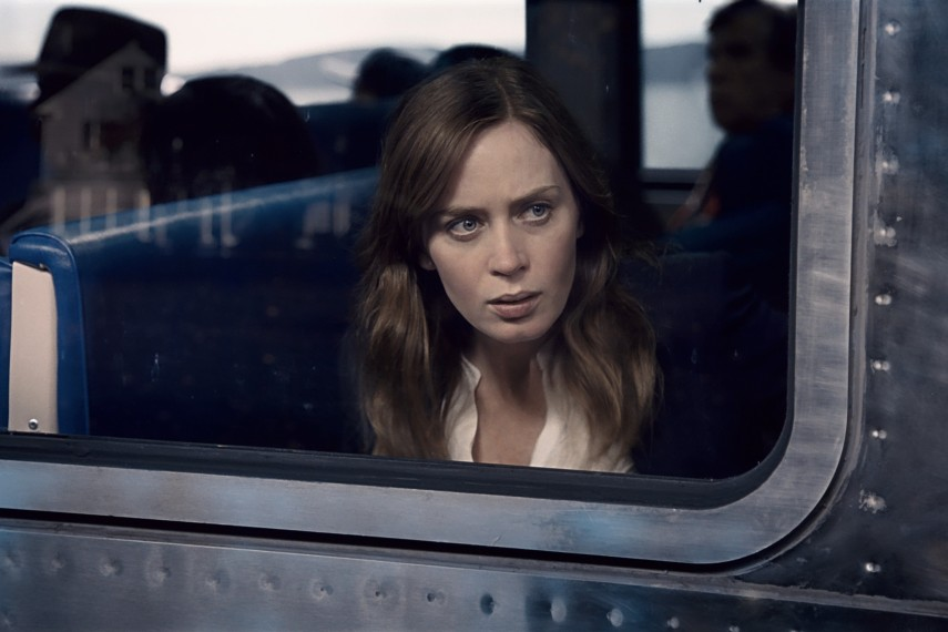 /db_data/movies/girlonthetrain/scen/l/410_03_-_Rachel_Watson_Emily_B.jpg