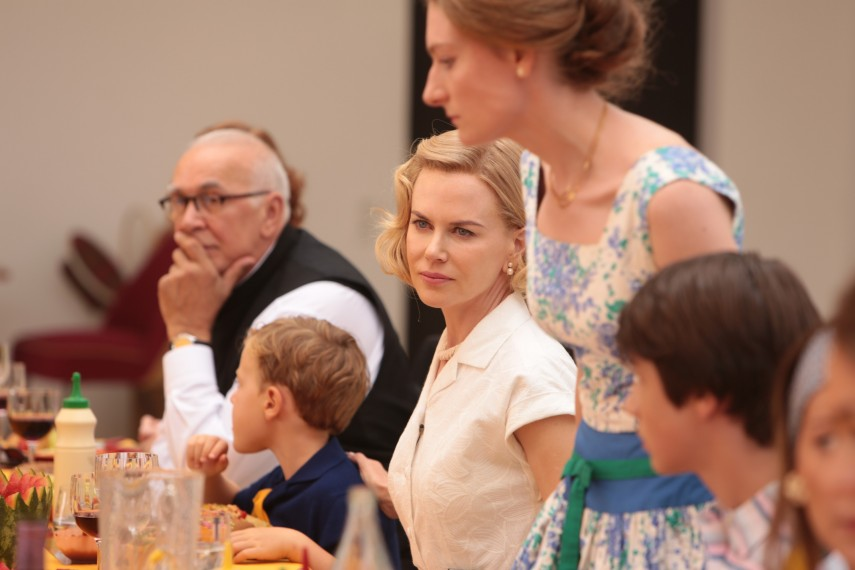 /db_data/movies/graceofmonaco/scen/l/410_01__Grace_Kelly_Nicole_Kidman.jpg