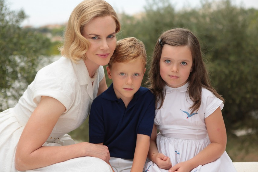 /db_data/movies/graceofmonaco/scen/l/410_10__Grace_Kelly_Nicole_Kidman.jpg