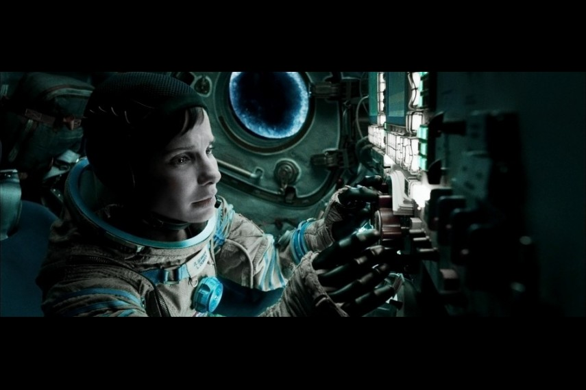 /db_data/movies/gravity/scen/l/410_06__Ryan_Sandra_Bullock.jpg