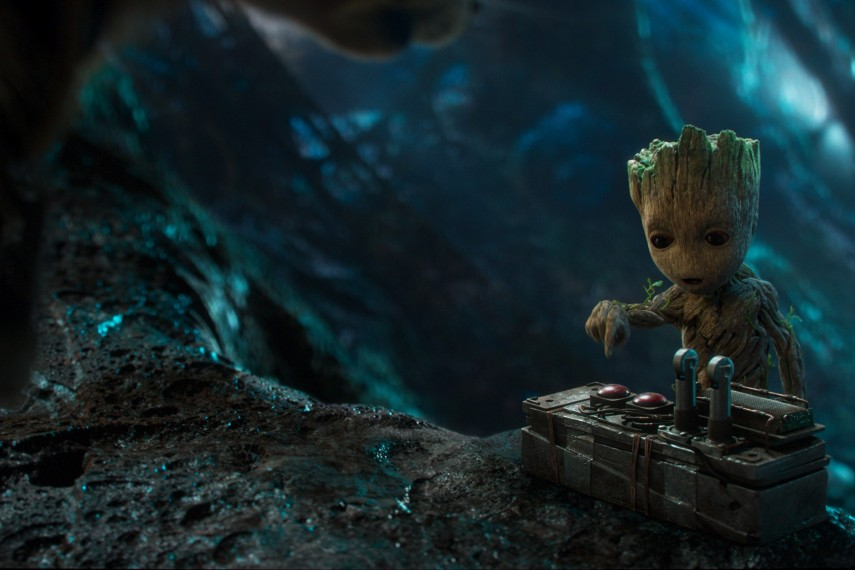 /db_data/movies/guardiansofthegalaxy2/scen/l/410_16_-_Baby_Groot_Vin_Diesel.jpg