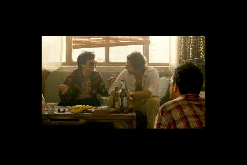 /db_data/movies/hangover2/scen/l/1-Picture23-d42.jpg