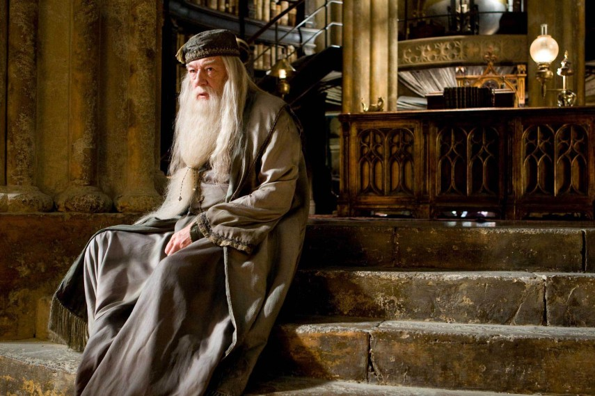 /db_data/movies/harrypotter6/scen/l/HBP-Dumbledore-Thinking-HI-RES.jpg