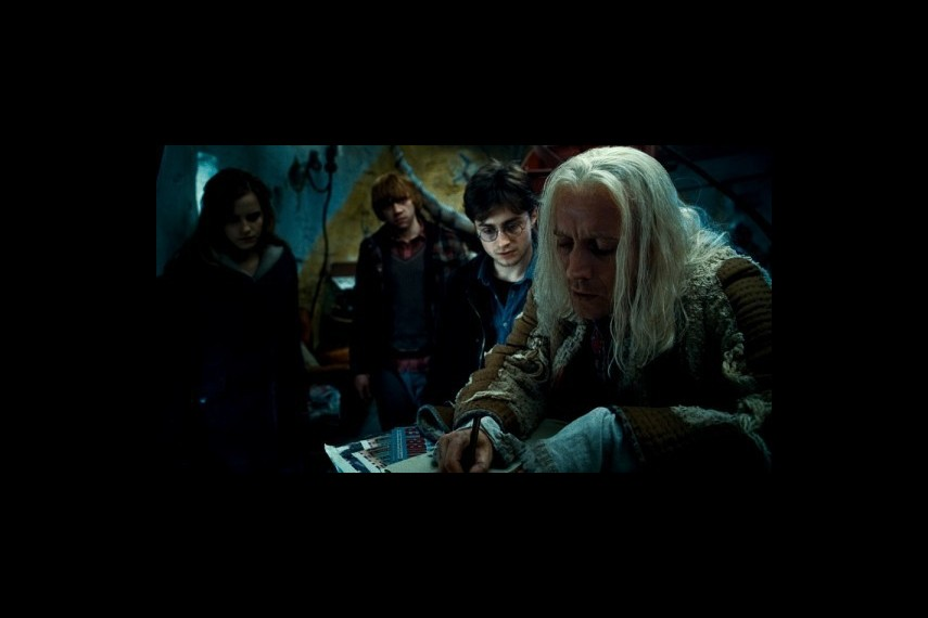 /db_data/movies/harrypotter7_1/scen/l/1-Picture148-203.jpg