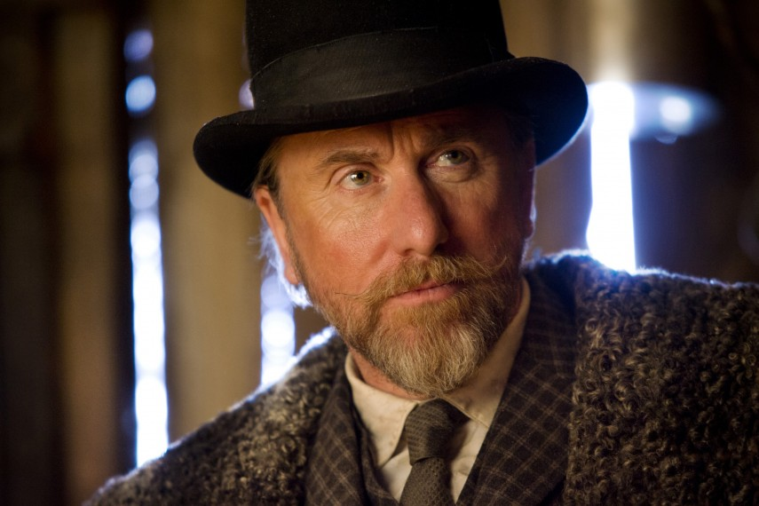 /db_data/movies/hatefuleight/scen/l/410_05__Oswaldo_Mobray_Tim_Roth.jpg