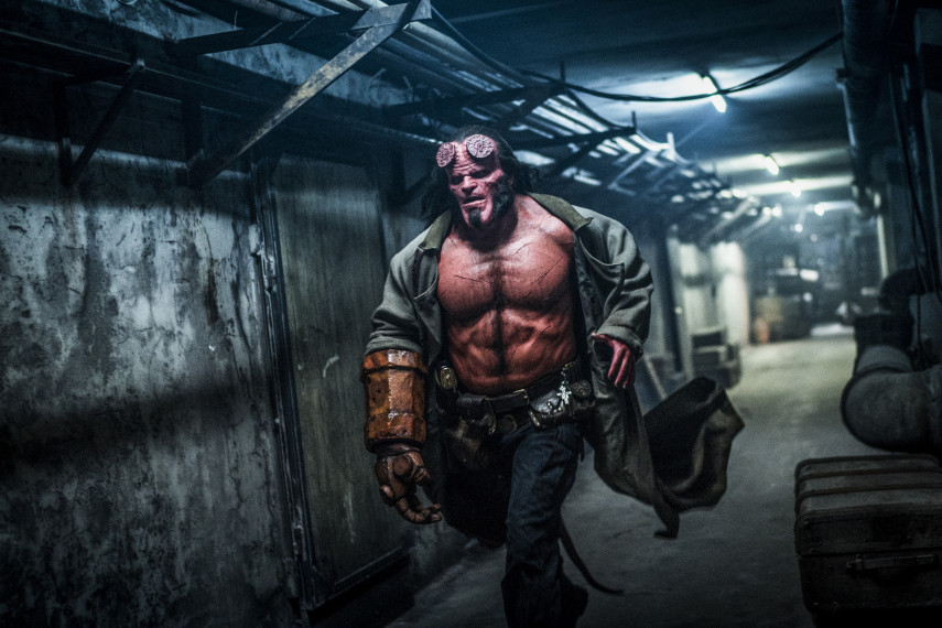 /db_data/movies/hellboy3/scen/l/410_02_-_Hellboy_David_Harbour.jpg