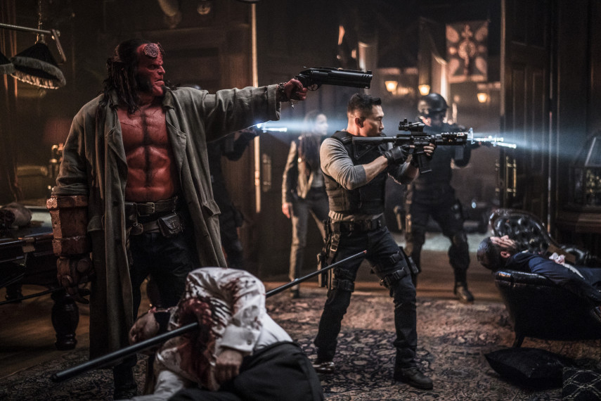 /db_data/movies/hellboy3/scen/l/410_05_-_Hellboy_David_Harbour_ov_org.jpg