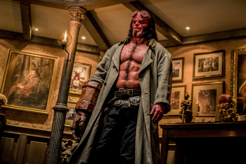 /db_data/movies/hellboy3/scen/l/410_10_-_Hellboy_David_Harbour_ov_org.jpg