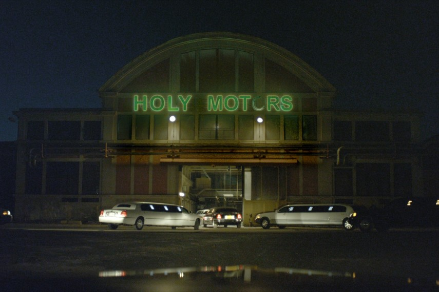 /db_data/movies/holymotors/scen/l/holymotors2.jpg