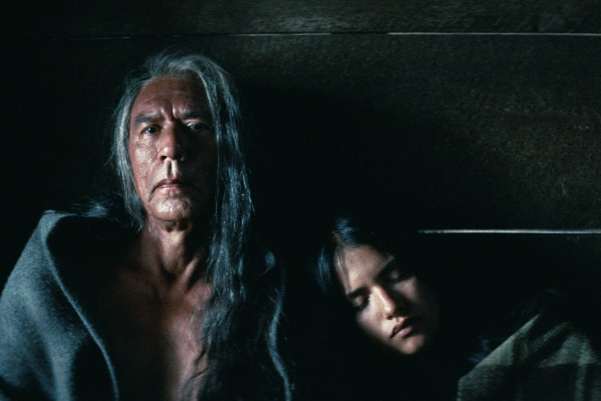 /db_data/movies/hostiles/scen/l/410_12_-_Yellow_Hawk_Wes_Studi.jpg
