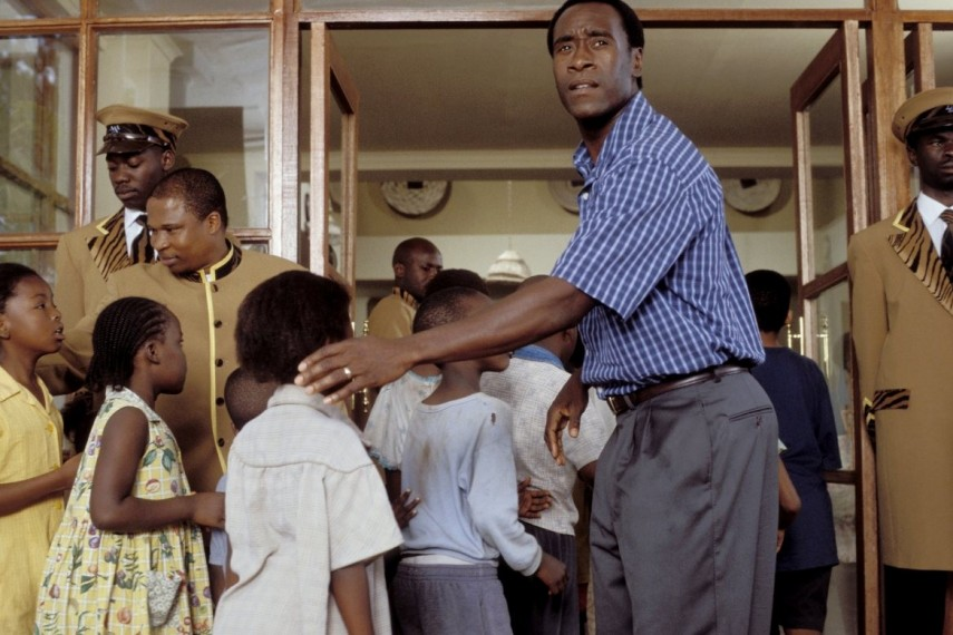 /db_data/movies/hotelrwanda/scen/l/HotelRwanda11_large.jpg
