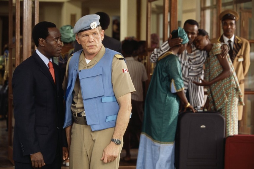 /db_data/movies/hotelrwanda/scen/l/HotelRwanda9_large.jpg