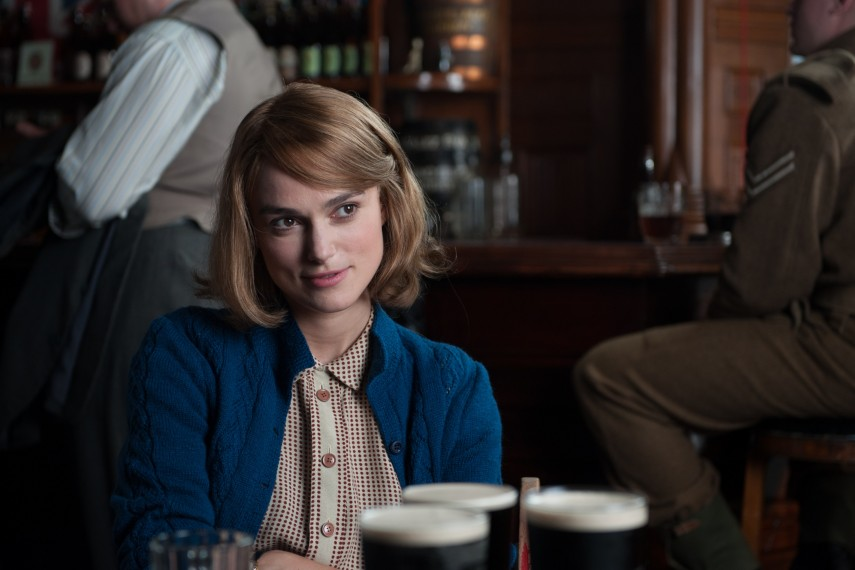 /db_data/movies/imitationgame/scen/l/410_14__Joan_Clarke_Keira_Knig.jpg