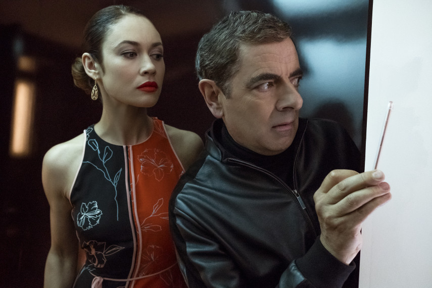 /db_data/movies/johnnyenglish3/scen/l/410_05_-_Ophelia_Olga_Kurylenk.jpg