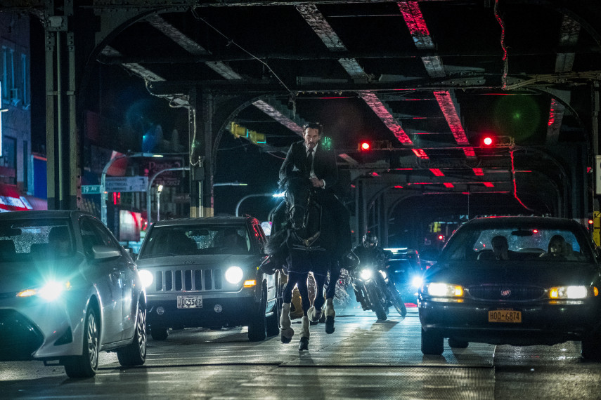 /db_data/movies/johnwick3/scen/l/410_02_-_John_Keanu_Reeves_ov.jpg