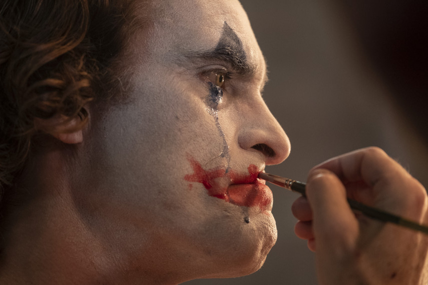 /db_data/movies/joker/scen/l/410_rev-1-JOK-03031_High_Res_JPEG_ov_org.jpg