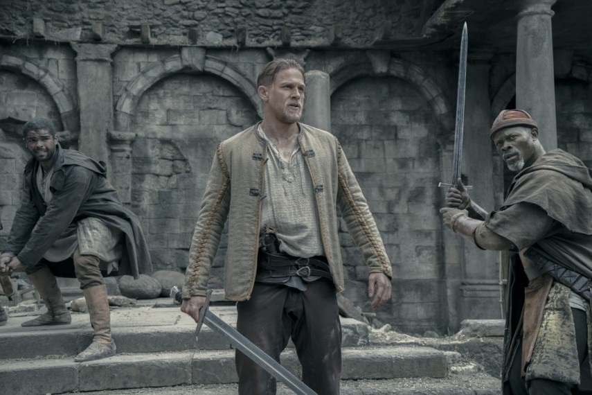 /db_data/movies/kingarthurlegendofthesword/scen/l/421-Picture2-b65.jpg