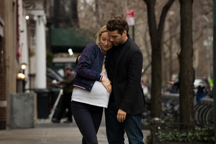 /db_data/movies/lifeitself/scen/l/410_01_-_Abby_Olivia_Wilde_Wil_1.jpg